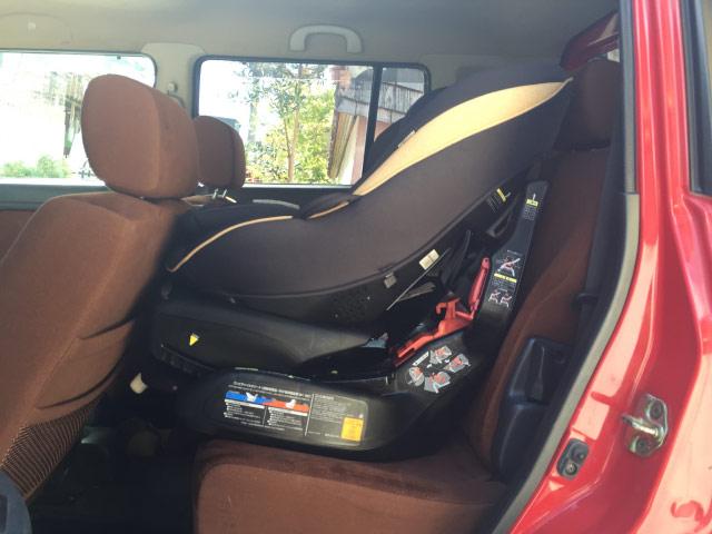 軽自動車に大きいチャイルドシート