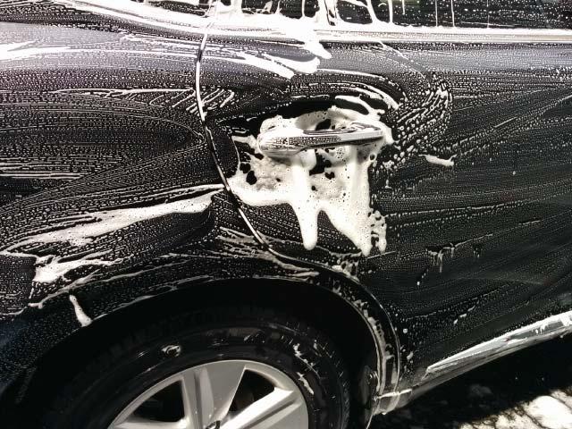 泡泡で洗車